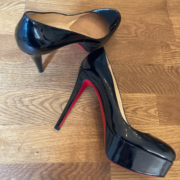 New barely worn Christian Louboutin pumps  36/US6